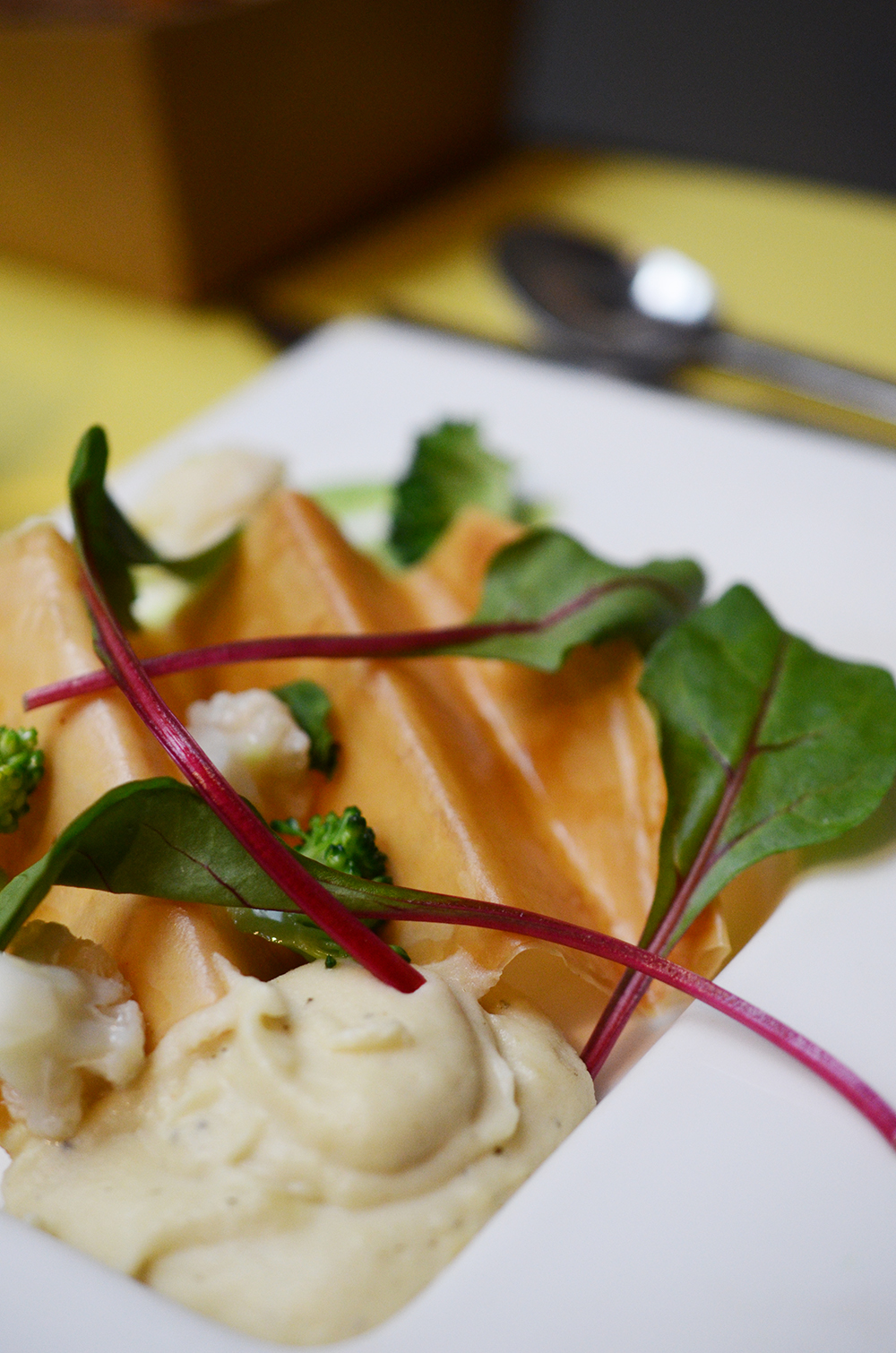montjul_restaurant_paris_fernande_rené_blog_entree_mousse_celeri