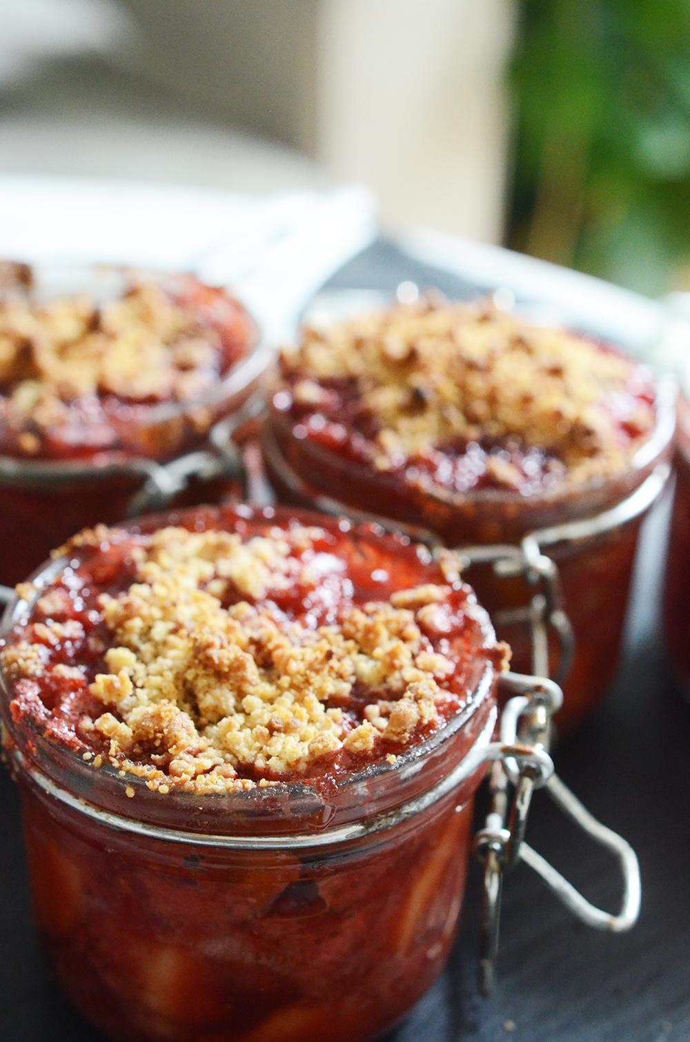 crumble_fruitsrouges_pommes_recette_fernandeetrene_DSC_9302 copie