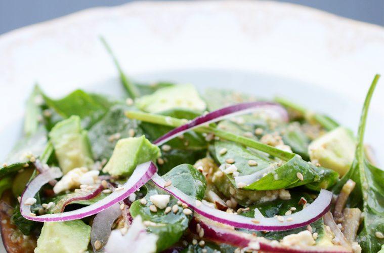 salade vegetarienne qyuinoa apinard fernande et rene